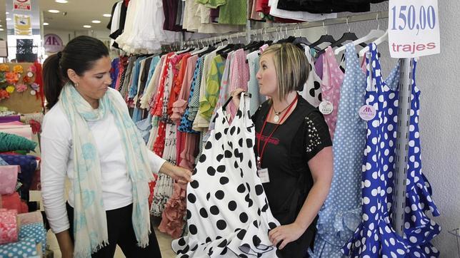 e490c5070 A la Feria con vestidos «Low cost»