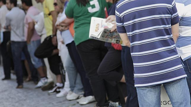 El desempleo juvenil se dispara pese a los sucesivos for Oficina paro tarragona