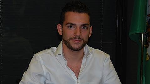 El cantante Eduardo Ortega presenta este viernes sus nuevos temas