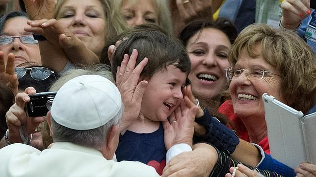 El Papa exhorta a los «corruptos políticos, empresariales y eclesiásticos» a devolver lo robado