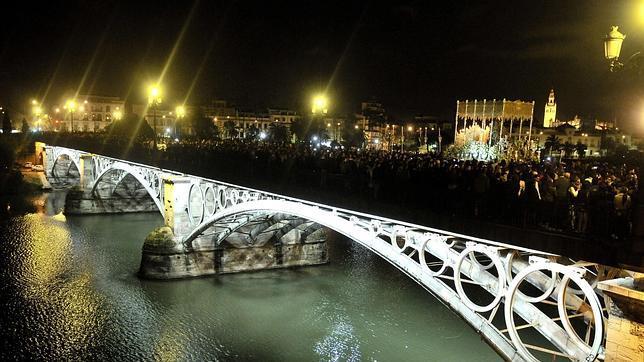 El puente de Triana es... de El Pedroso