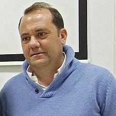 El primer teniente de alcalde de Bormujos también denunciará al vecino por agresión - ABC de Sevilla - javier-castro-bormujos--229x229
