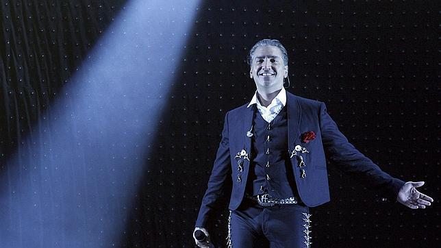 Alejandro Fernández: «Es posible ser amigo de artistas como Luis Miguel. Para todos hay público»