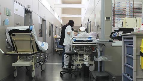 El SAS ofrece a médicos cordobeses contratos al 25% de la jornada en Almería por 433 euros