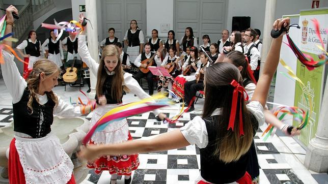 Los trovos se revitalizan en el Festival de Música Tradicional de la Alpujarra