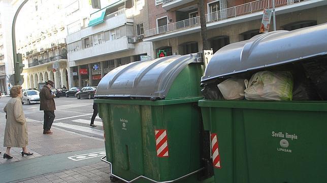 La crisis tambi n reduce la basura que tiran los sevillanos for Registro bienes muebles sevilla