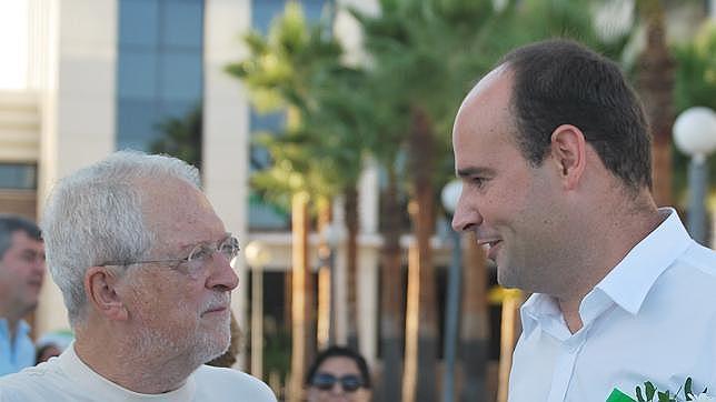 Rojas Marcos y el candidato local Alejandro Santos