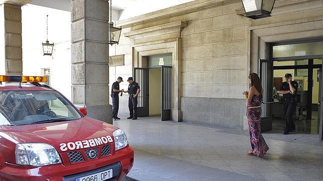 El incendio en los juzgados de Sevilla ha afectado a archivos de la sala tres y sótano