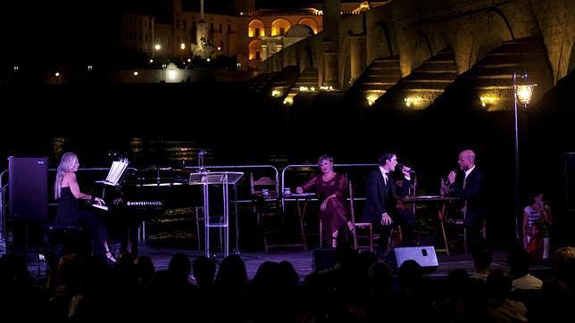 Uno de los momentos del concierto de tangos celebrado ayer junto a la Calahorra