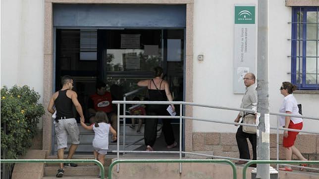 Expertos analizan si es posible que en Córdoba haya 5.000 parados menos el próximo año