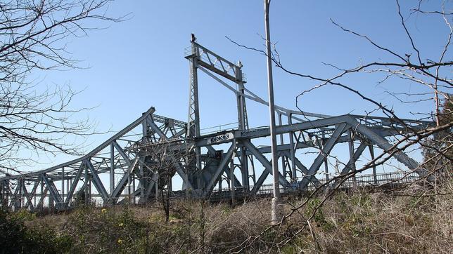 Estado del puente de Hierro cuyas piezas están robando