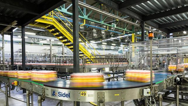 La sala de empaquetado de Orangina Schweppes de la factoría alcalareña