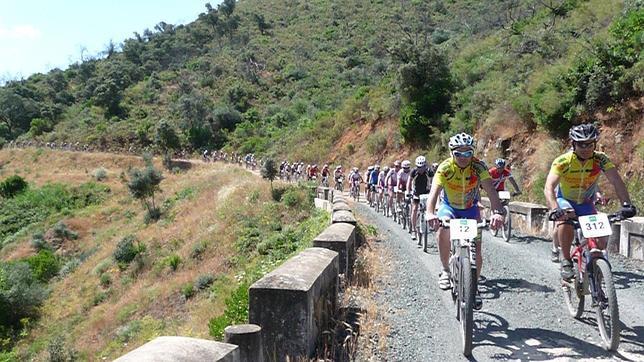 Marcha en bicicleta por la Ruta del Agua