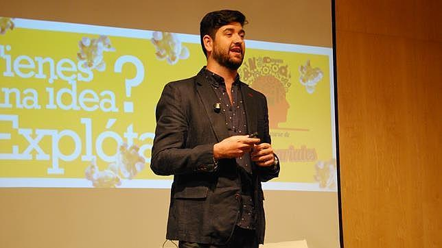 Manu Sánchez durante su charla sobre emprendimiento