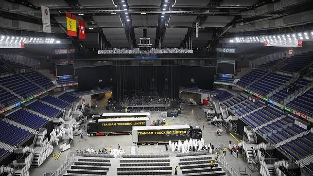Desmontaje tras el concierto de Elton John el sábado en el Palacio de los Deportes de Madrid