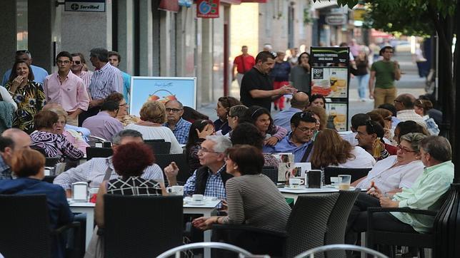 Los veladores aportan ya el 50% del beneficio de los bares