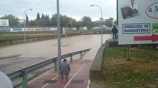 Las fuertes lluvias provocan m s de 130 incidencias en la - El tiempo dos hermanas sevilla ...