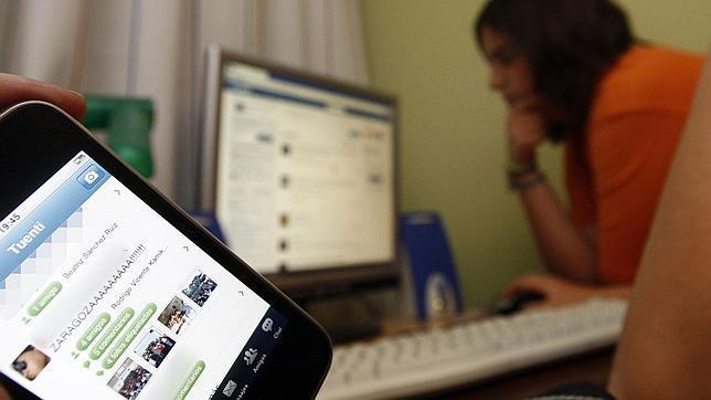 Seis de cada diez chicas, insultadas en las redes sociales