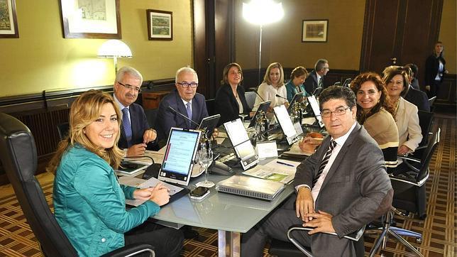 Las subvenciones, eje de la política de Susana Díaz