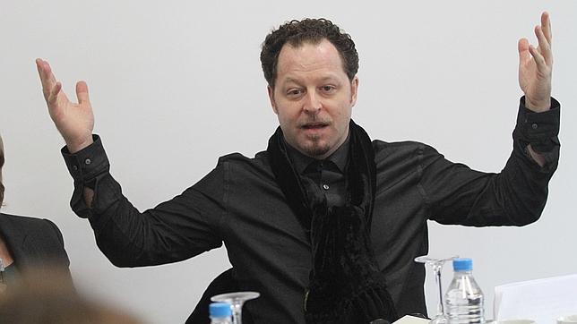 John Axelrod durante su presentación como nuevo director de la Sinfónica
