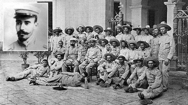 Los conocidos como «últimos de Filipinas», conel médico andaluz Vigil de Quiñones sentado en el centro