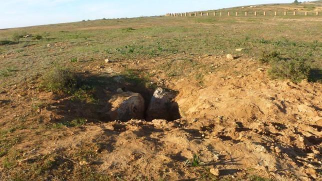 Tumba expoliada en la que excavaron a gran profundidad