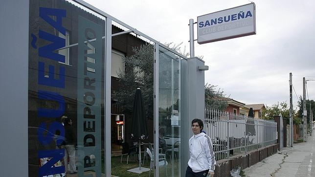 Entrada al Club Deportivo Sansueña