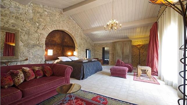 Dormir en un castillo nueve ideas para una noche inolvidable for Comprobar clausula suelo