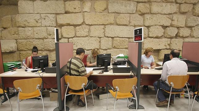 51 millones en la caja del ayuntamiento la cifra m s alta for Oficina de correos cordoba