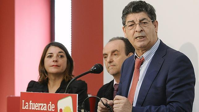 Elena Cortés, Rafael Rodríguez y Diego Valderas