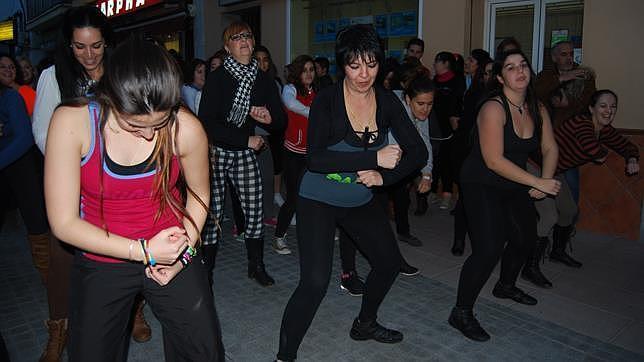 Los gimnasios salen a la calle durante el mes de febrero for Gimnasio dos hermanas