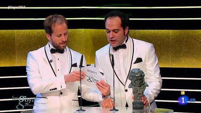 Los Compadres la liaron en los gala de los Premios Goya antes de entregar el premio al mejor Director de Producción