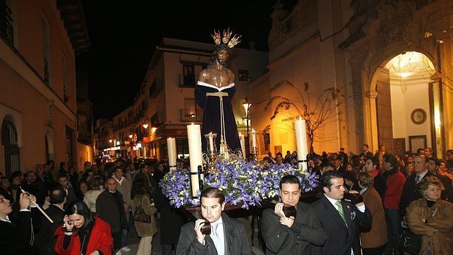 Resultado de imagen de Vía-Crucis con el Señor de las Penas. Córdoba