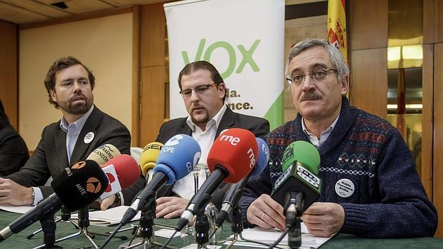 José Antonio Ortega Lara, a la derecha de la imagen