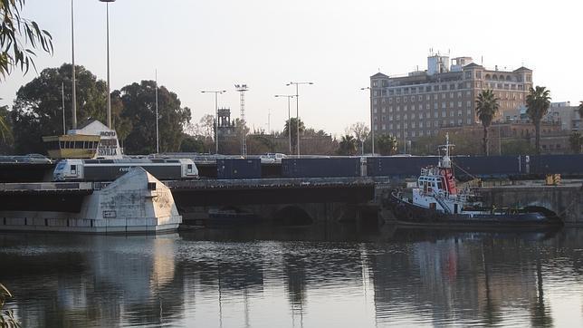 Las obras en el Puerto reducirán el paso de trenes por el puente de Las Delicias