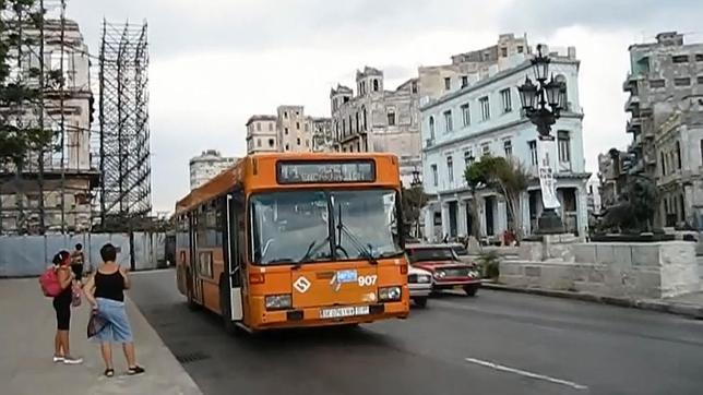 el ayuntamiento mand a cuba 50 autobuses que eran tiles