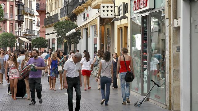 Cu ndo y en qu horario abrir n las tiendas del centro de - Horario merkamueble sevilla ...