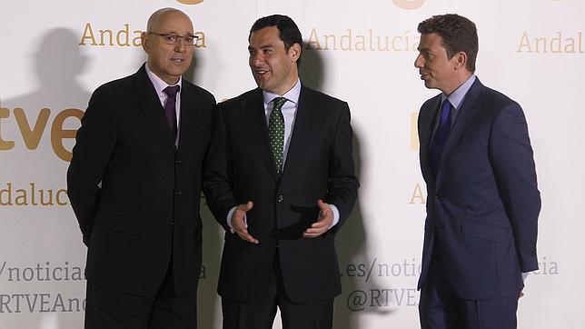 Juanma Moreno, instantes antes del debate de candidatos a la Junta en la RTVE