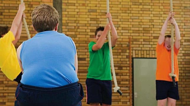 Cuatro de cada diez niños sufren obesidad infantil: causas y claves para evitarla