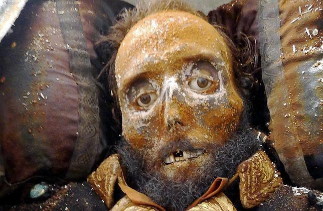 Imagen cedida por el sociólogo Miguel Ángel Almodóvar de la momia del general Juan Prim