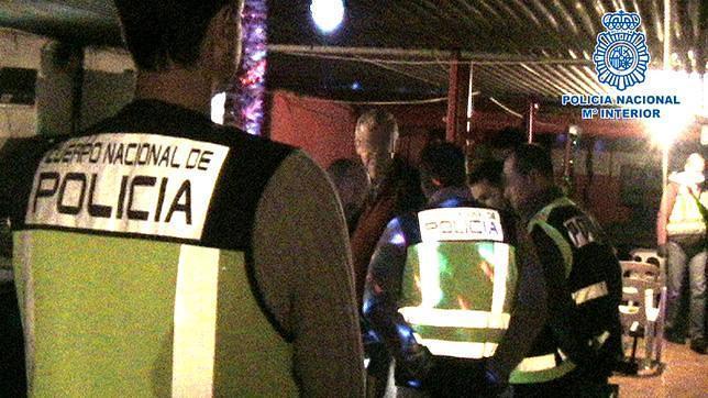 Agentes de la Policía, en el cortijo habilitado como club de alterne
