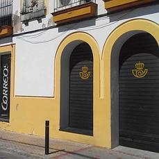 Correos vuelve a ocupar su sede tradicional en utrera for Oficina de correos cordoba