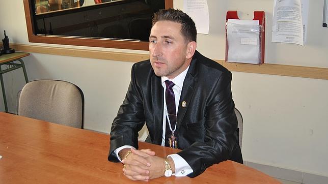 El alcalde de Manilva apoyó 34 pagos «irregulares» a las empresas de los familiares de su predecesora