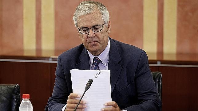 El ex interventor de la Junta rebate las «invenciones» de Chaves y Griñán