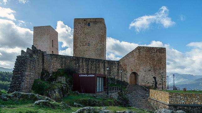 El Cosmolarium se instaló en la fortaleza de Hornos de Segura