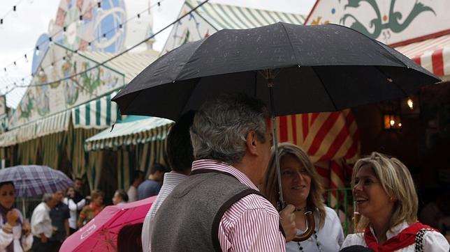 MI TIERRA, MI SEVILLA, MI FERIA DE ABRIL.. Lluvia-desluce-real--644x362