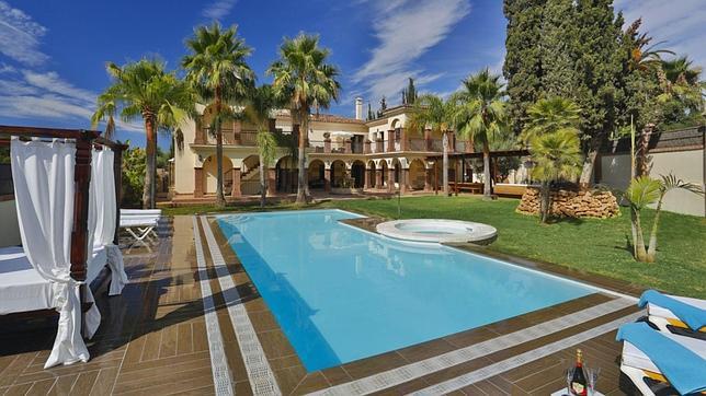 As son las nueve casas m s caras y lujosas de andaluc a for Casas jardin del mar