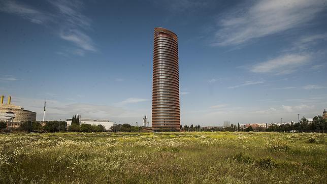 El rascacielos diseñado por César Pelli ya está terminado