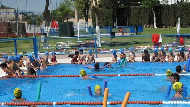 todo listo en las piscinas municipales de dos hermanas