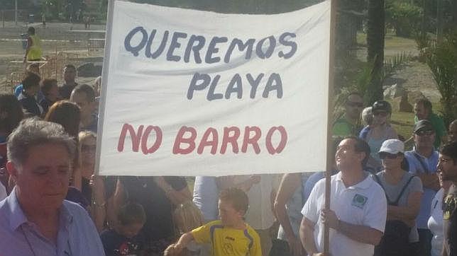Empresarios de playas se manifiestan contra Costas